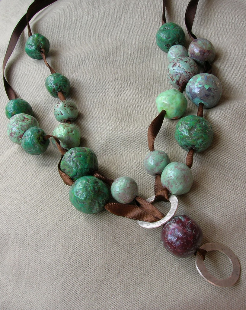 Papier mache bead necklace green papier mache necklace for How to make paper mache jewelry