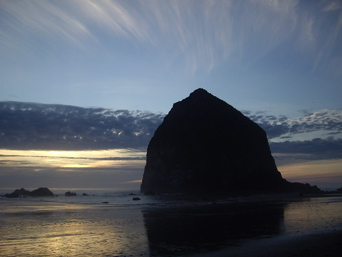 Cannon Beach Sun is setting | by workworked