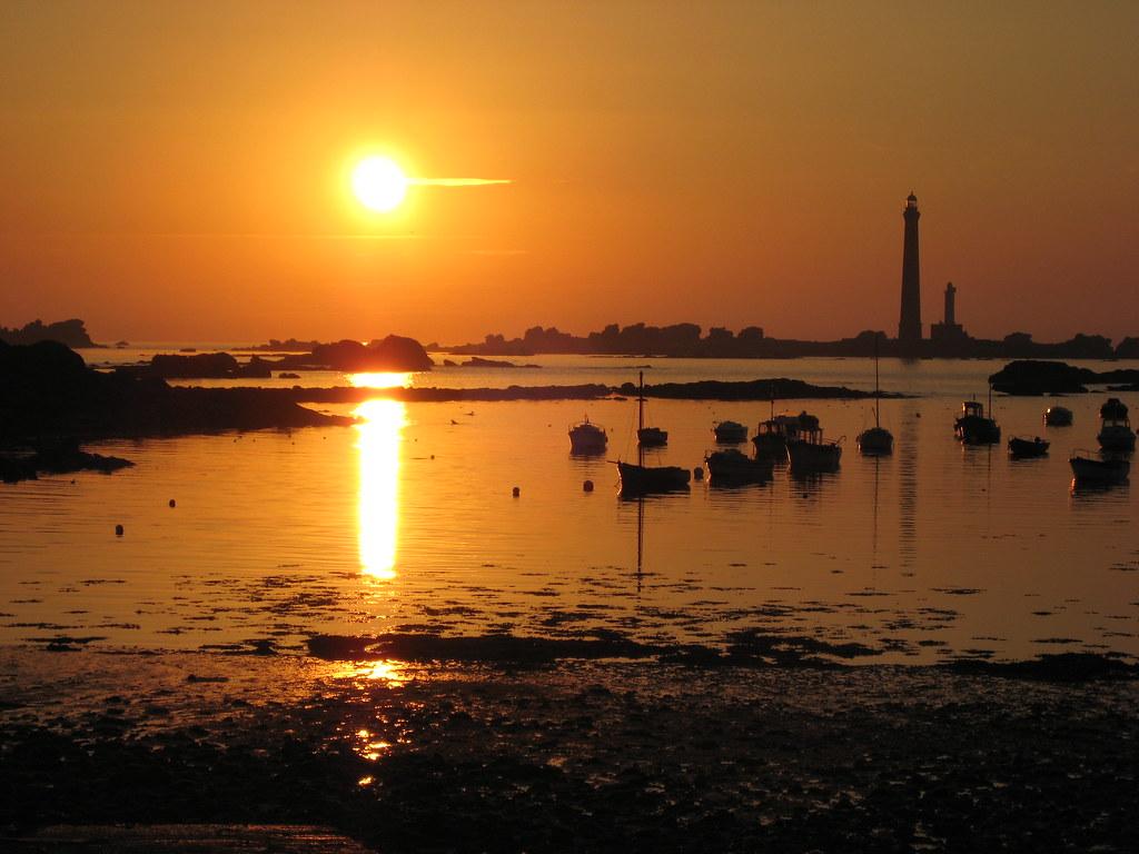Coucher de soleil au phare de l 39 le vierge sunset over the flickr - Coucher de soleil marseille ...