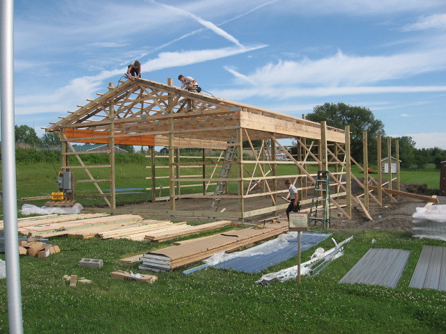 30 x 50 x 12 DIY Pole Barn | Finishing up the purlins ...