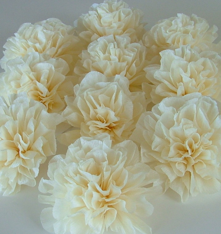 Crepe paper wedding decorations cream poms these crepe for Decor using crepe paper