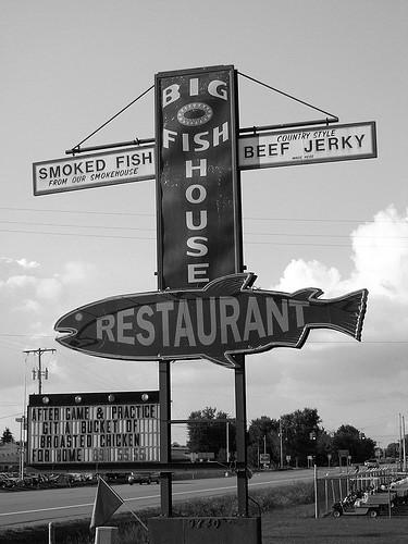 Kent caledonia michigan big o fish house smoke house and for Big fish seafood bistro