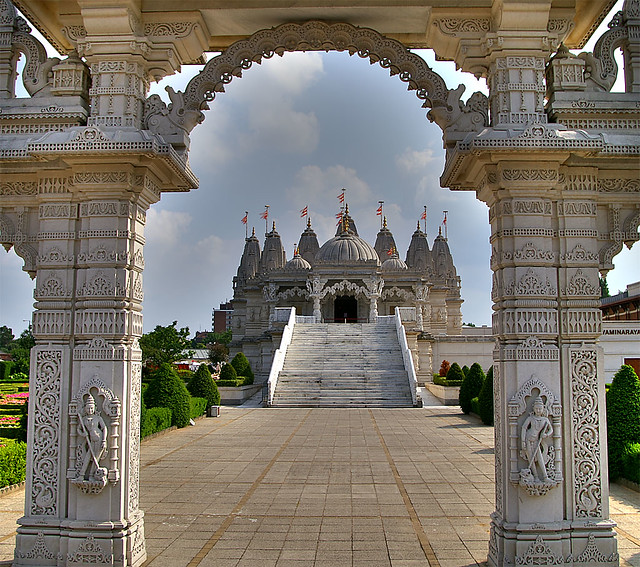 Shri Swaminarayan Mandir - Hindu Temple - Neasden