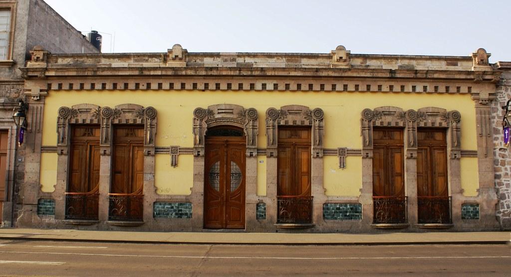 3 otras casas en el centro hist rico de morelia casa for Casa de los azulejos centro historico