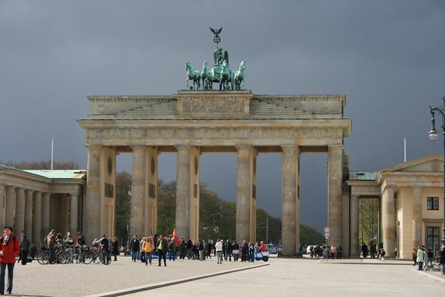 Brandenburger tor brandenburger tor porte de for Porte de brandebourg