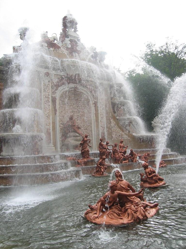 Jardines y fuentes del palacio real de la granja de san il for Jardines san ildefonso