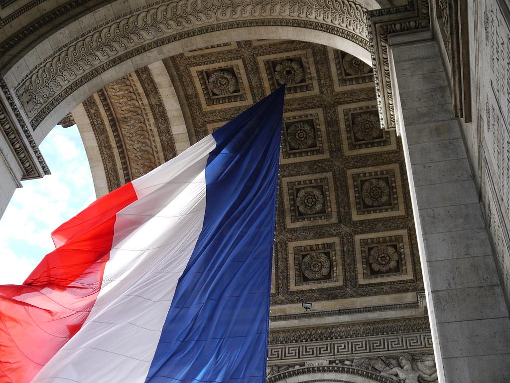 Drapeau de la libération de Paris (Arc de triomphe)