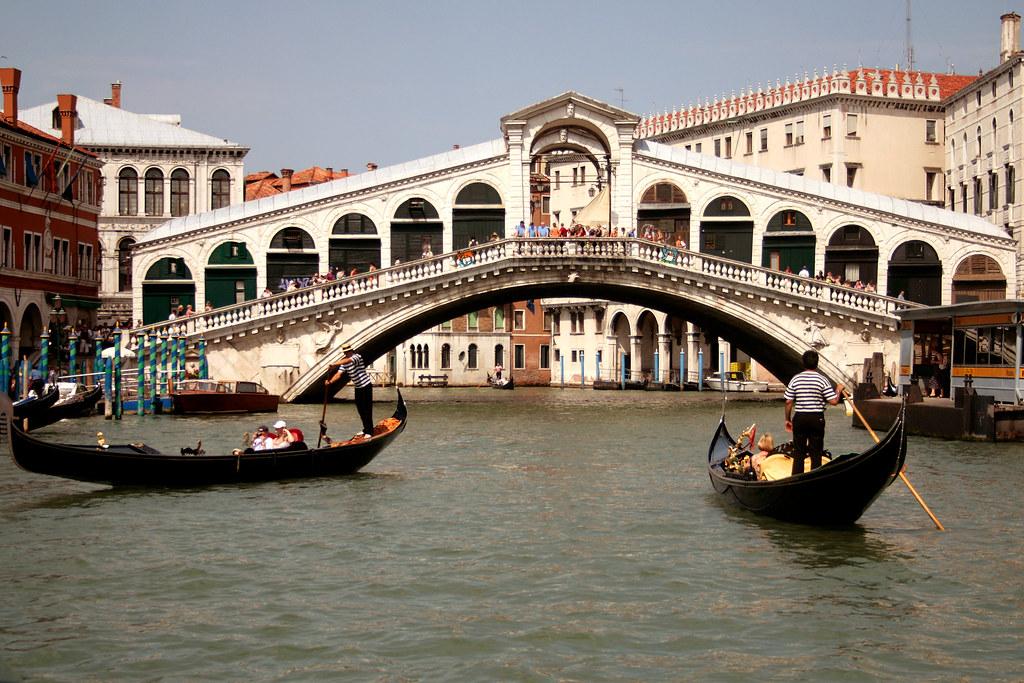 Ponte di rialto venezia italia die rialtobr cke ital for Disegni di ponte a 2 livelli