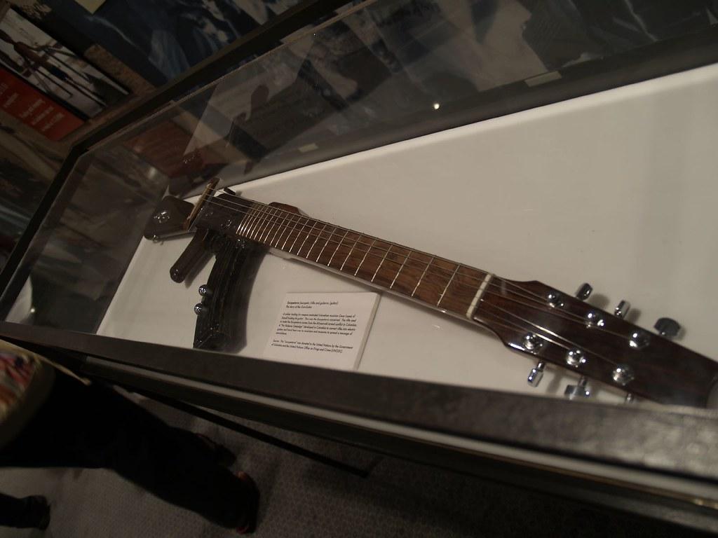 machine gun guitars