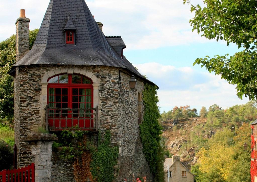 Morbihan rochefort en terre vieille maison de pierre for Vieille maison en pierre