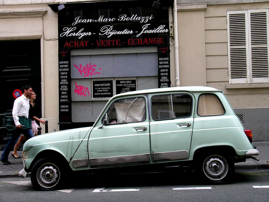 rue de dunkerque paris france a last century renault 4 flickr. Black Bedroom Furniture Sets. Home Design Ideas