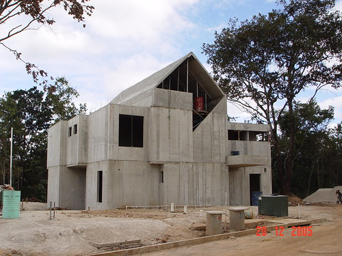 Concrete home construction in guatemala flickr photo for Concrete form homes