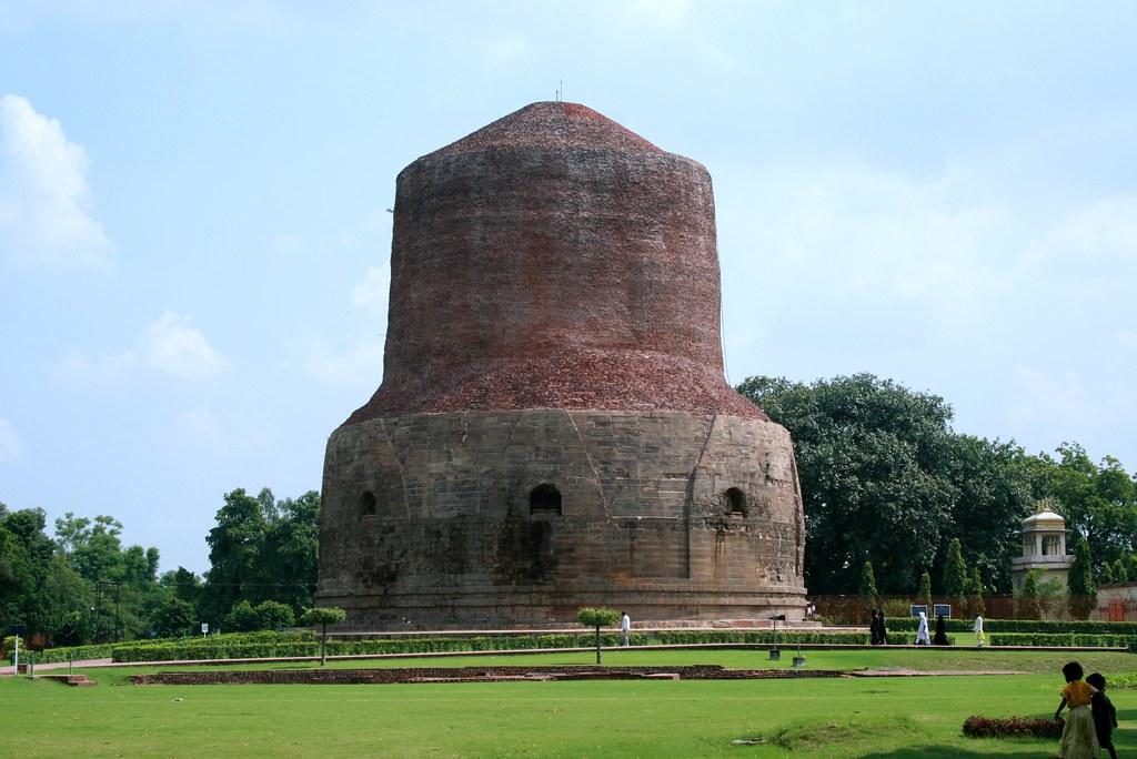 Sarnath - Dhamekh Stupa | The Dhamekh Stupa at Sarnath ...