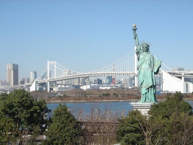 Statue of Liberty replica, Rainbow Bridge and Tokyo Tower  Flickr