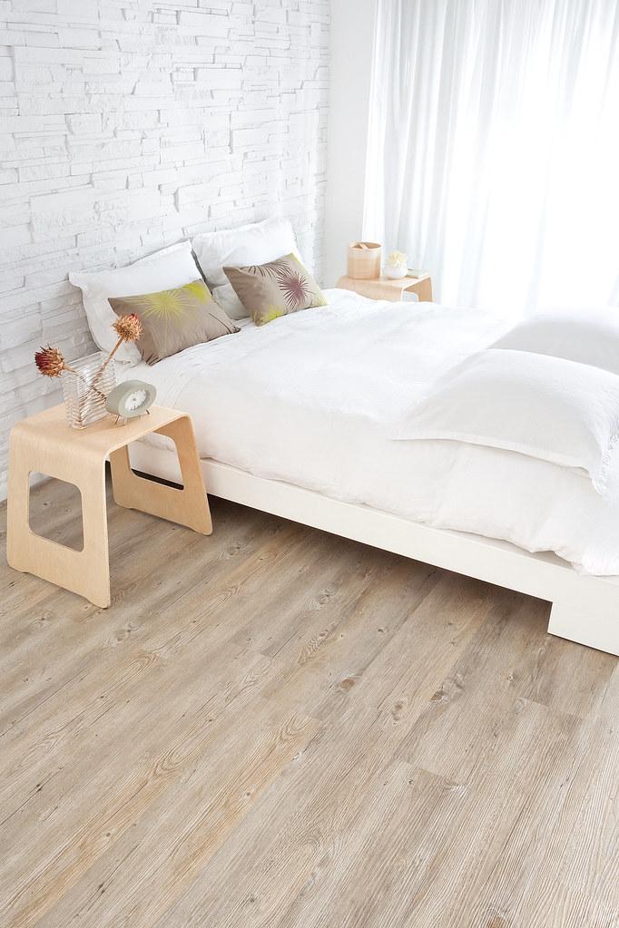 Cork flooring bedroom the options for cork flooring in for Bedroom flooring options