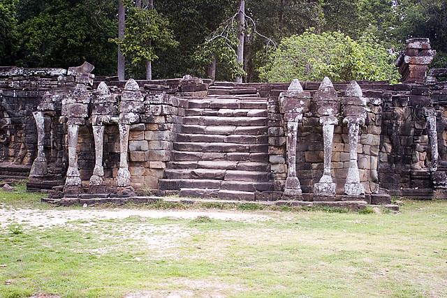 1240 Ang Angkor Thom Terraza De Los Elefantes Web Jpg Flickr