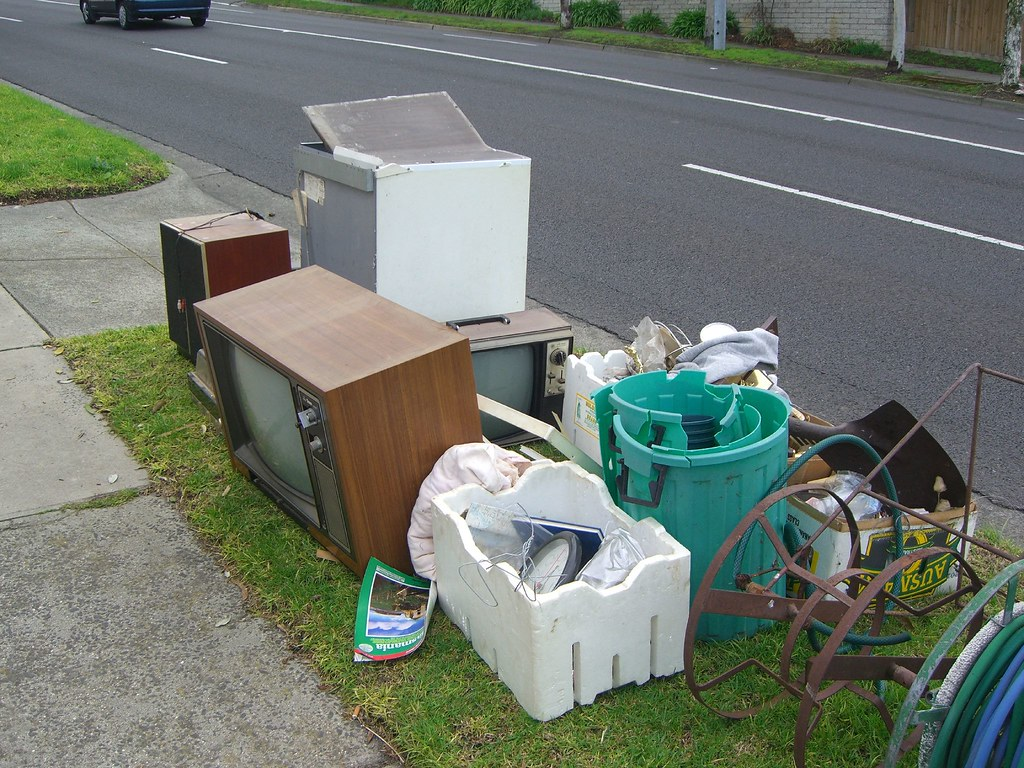 Old Tvs Out For Hard Rubbish Collection Old Tvs Out For