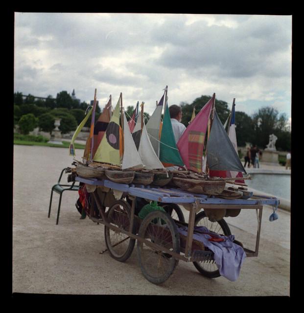 Maman les petits bateaux jardin des tuileries paris for Blythe le jardin de maman