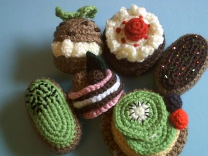 Amigurumi Patterns Free Food : Amigurumi Petits Fours collection crochet food pattern ...