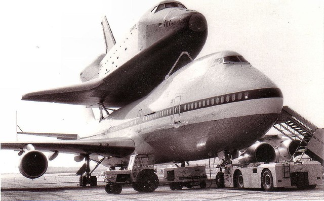 space shuttle landing at stansted - photo #12