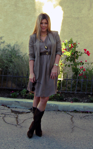 outfit+fashion+hair+beauty+women+brown boots+neutral mixin ...