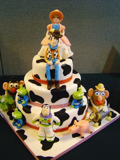 Toys For The Honeymoon : Toy story wedding cake donna biggins flickr
