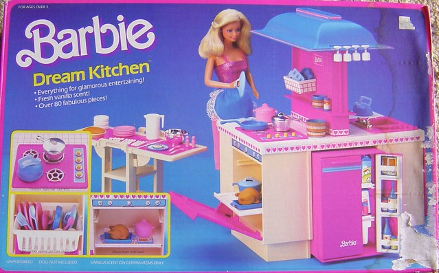 Barbie 39 s dream kitchen fished this box out of my for Kitchen set from the 90 s