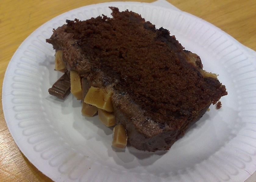 Chocolate Fudge Cake With Greek Yogurt