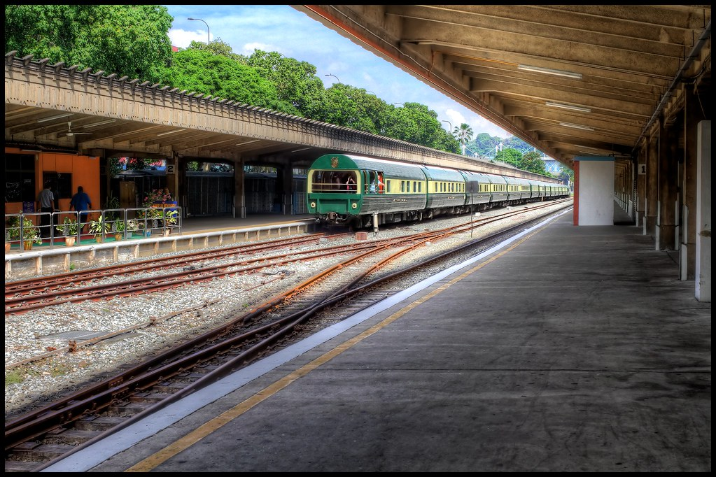 Singapore - tanjong pagar metro station