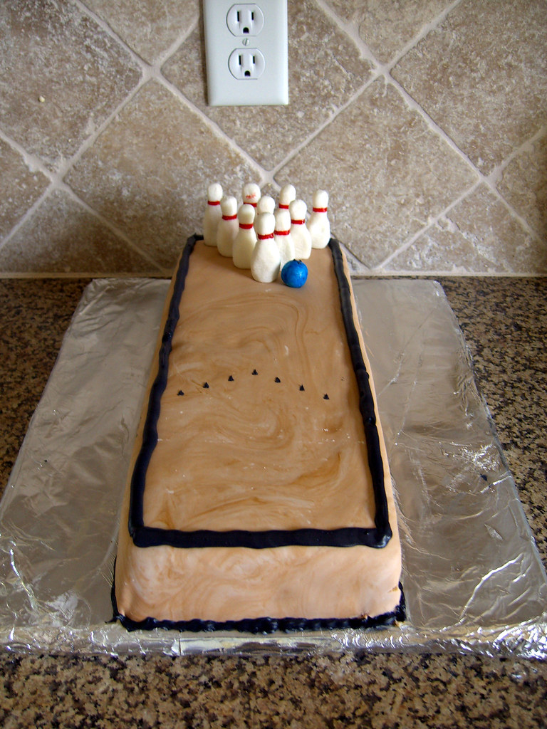 How To Make A Bowling Alley Cake