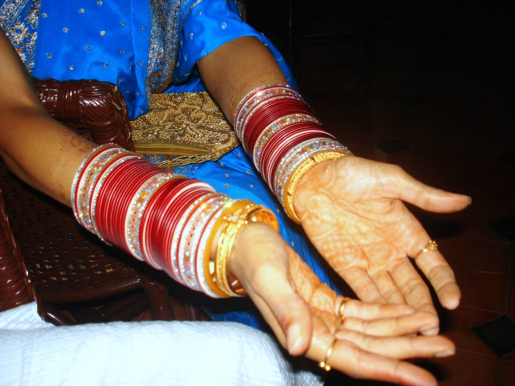 Indian Bride- Mehndi on hand with lot of bangles | Mehndi (o… | Flickr
