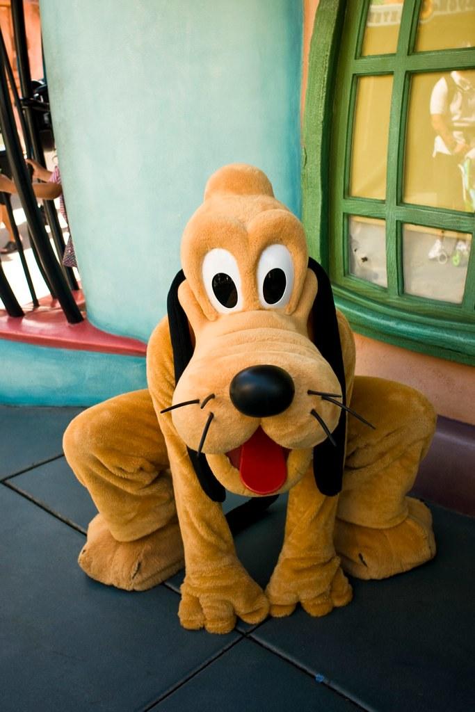 Disneyland Pluto To See The Complete Disneyland Photo