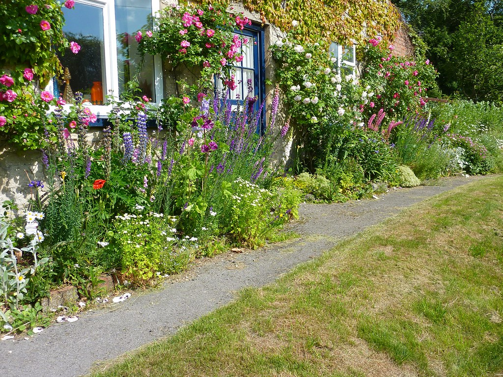 Front Cottage Garden I M So Please How My Front Garden