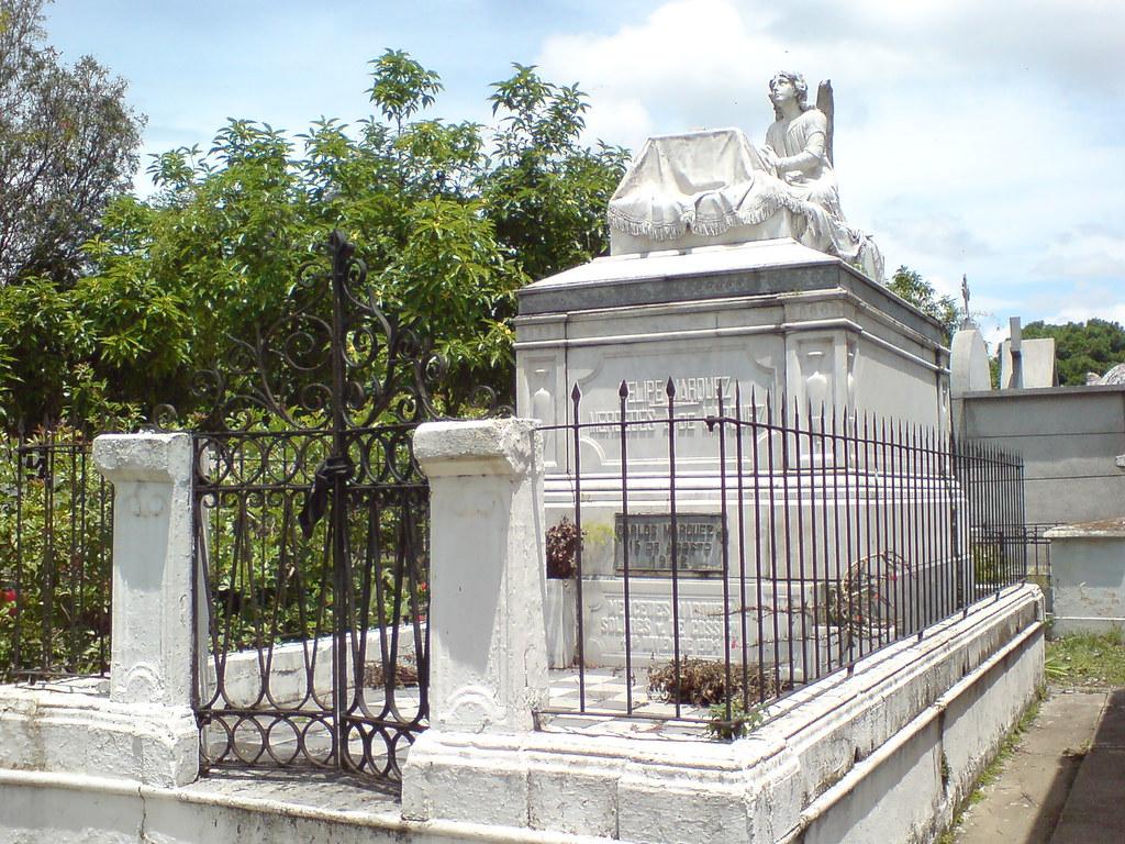 Cementerio for Cementerio jardin del mar