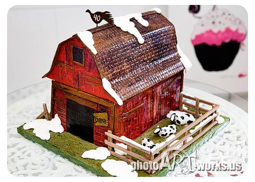 The Barn Old Barn Cake For A 40th Birthday Johnnie