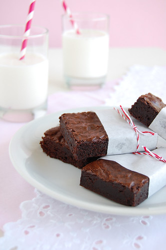 Best cocoa brownies / Brownies de cacau | by Patricia Scarpin