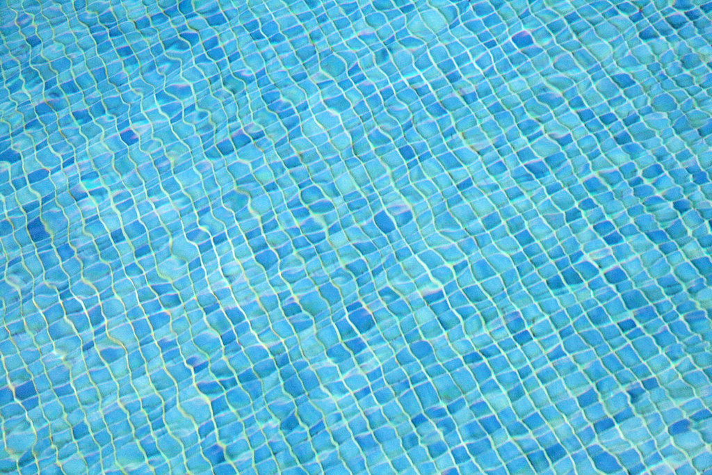 Fondo de piscina jorge franganillo flickr for Fondos de piscinas dibujos