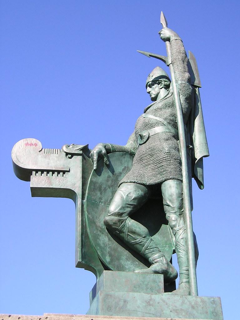 Statue of Ingólfur Arnarson, Reykjavik, Iceland   Ingólfur ...
