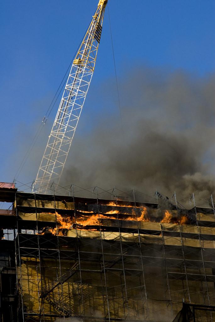 deutsche bank fire fire engulfs the upper floors of the. Black Bedroom Furniture Sets. Home Design Ideas