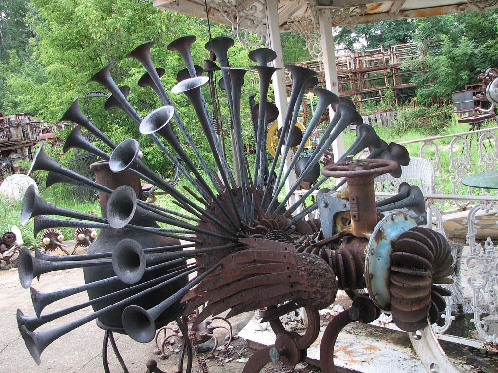 Peacock Dr Evermor S Art Park Largest Scrap Metal