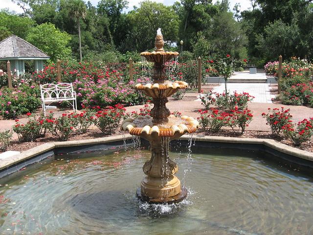 Harry P Leu Botanical Gardens Rose Garden Fountain Flickr Photo Sharing