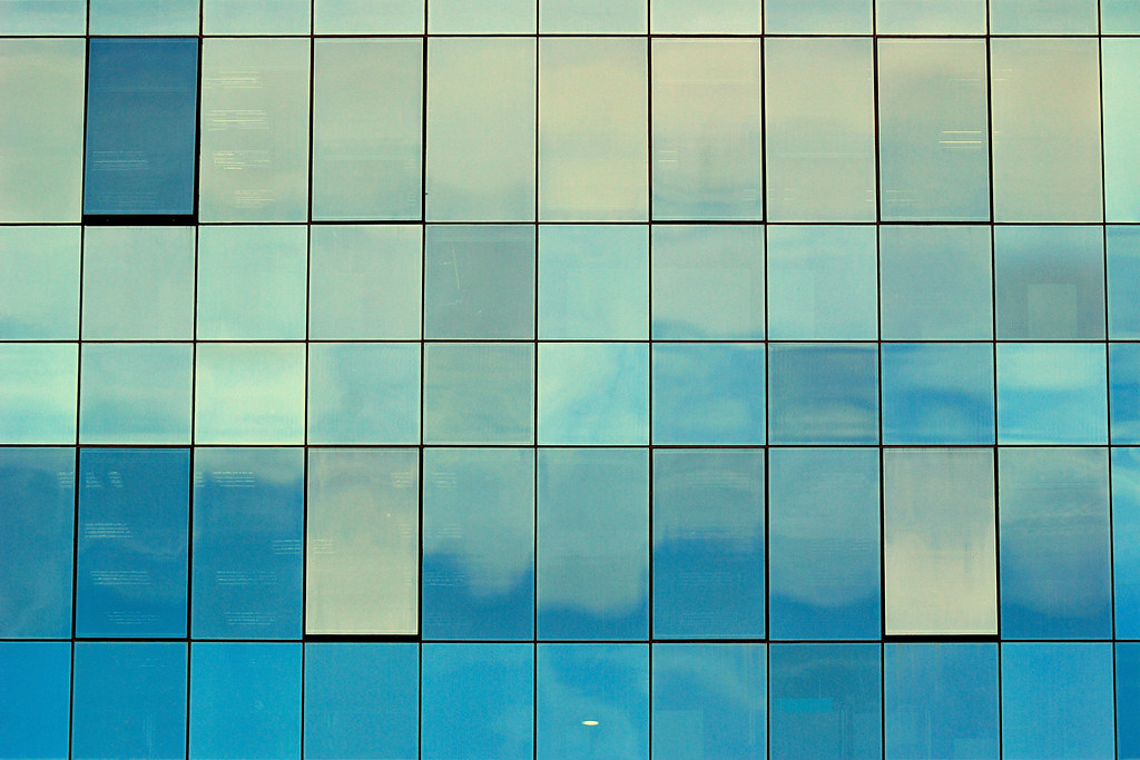 Glass texture frandaluz flickr for Exterior glass wall texture