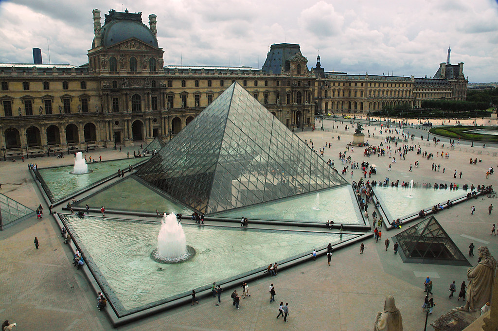 I m pei 39 s pyramid at the louvre for a elegant view of par flickr - Pyramide du louvre pei ...