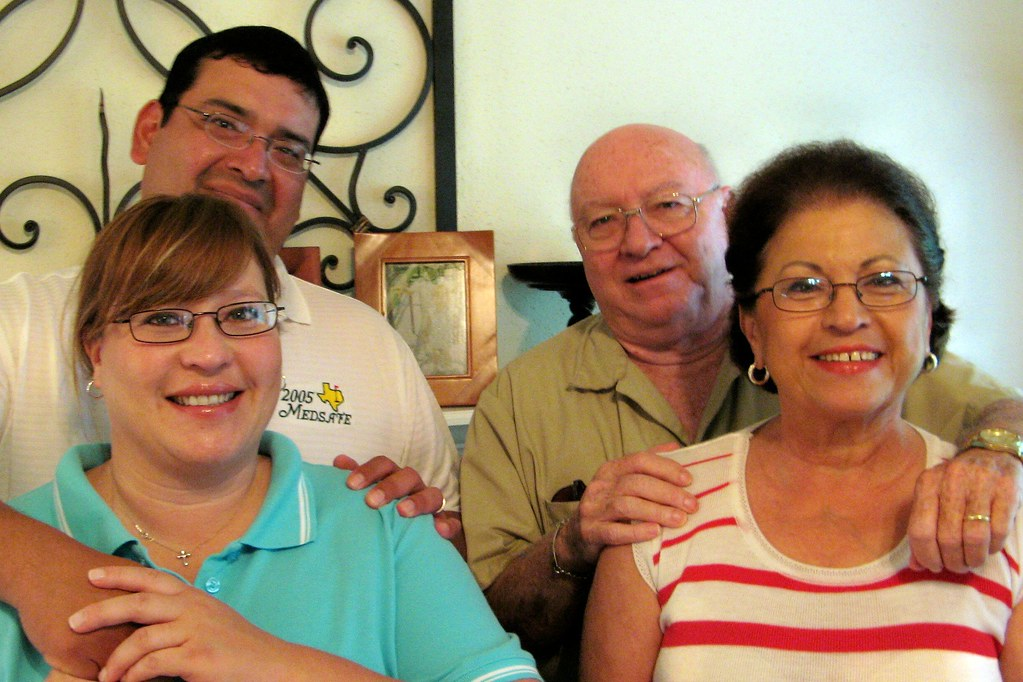 Family  Ruben Brother In-Law, Renee Sister, Mom And -3274