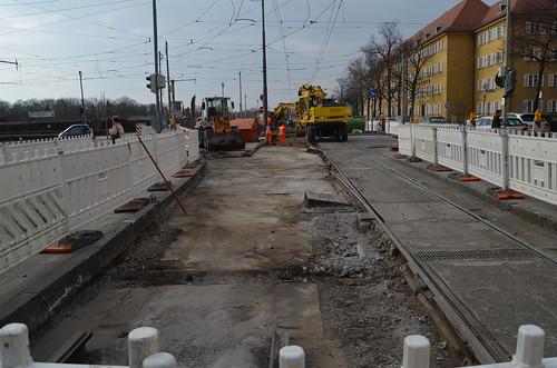 An der Borstei werden Vorbereitungen für den Einbau des stadteinwärtigen Gleises getroffen (Bild: Leo Papic)