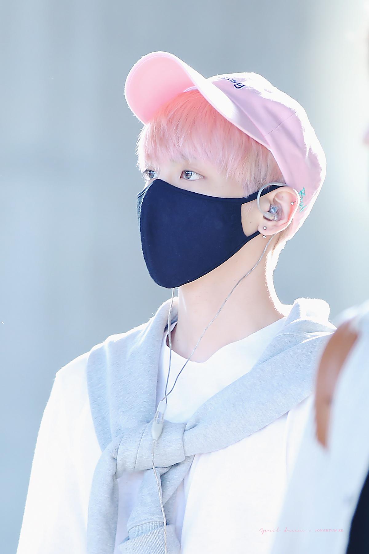 160425 Jonghyun @ Aeropuerto de Incheon {Llegada a Corea} 26639210395_052dfe9937_o