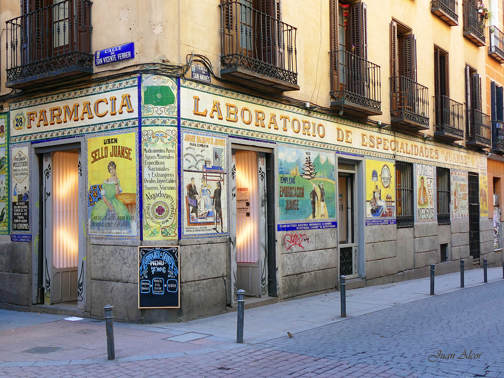 Azulejos Antigua Farmacia Juanse Madrid Tras Mucho