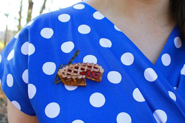erstwilder pie brooch