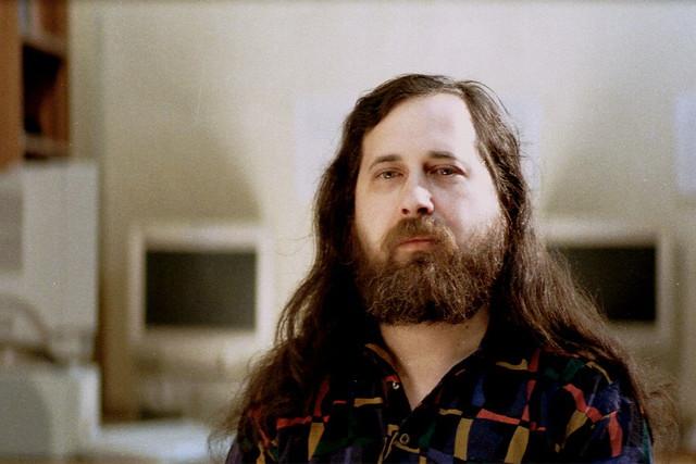 ZFS-en-Linux-segun-Richard-Stallman.jpg