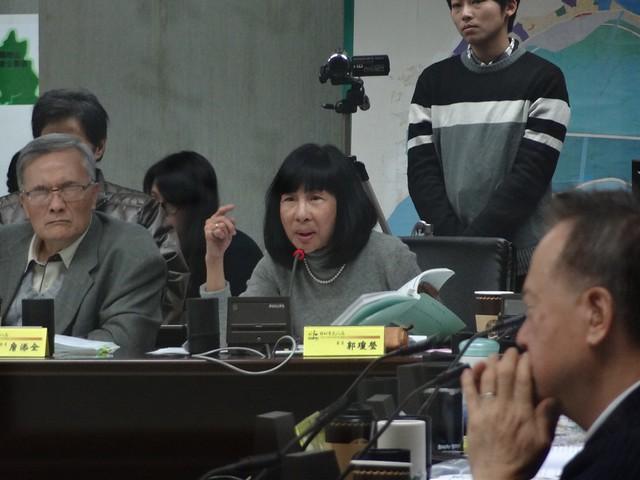 文化資產委員郭瓊瑩認為軍事區也要納入文化景觀,但也應該以國防管制為優先,擬定先關規則。攝影:何沛怡